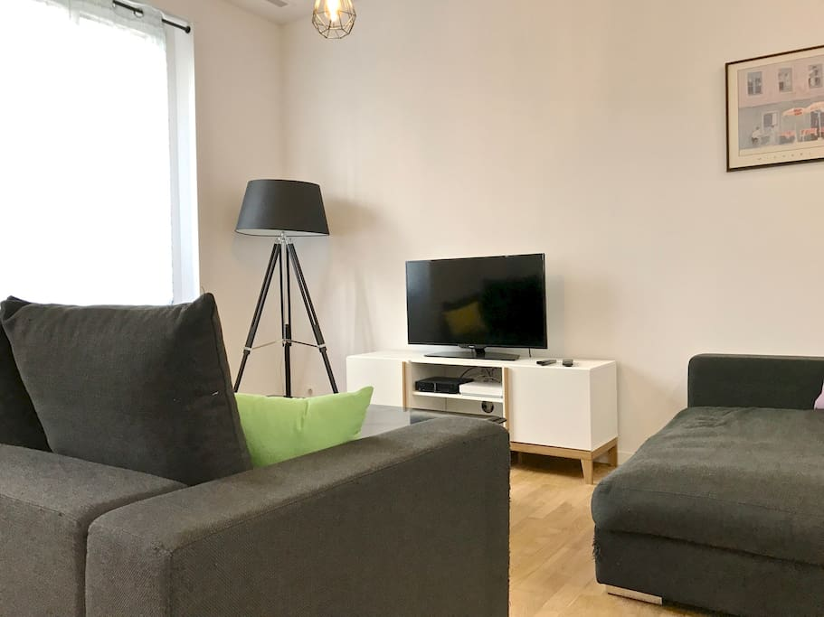 appartement 2 chambres wifi clim musiciens flats for. Black Bedroom Furniture Sets. Home Design Ideas