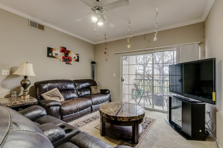 Entire apartment/TCU/clearfork/AT&T/DFW/clubhouse