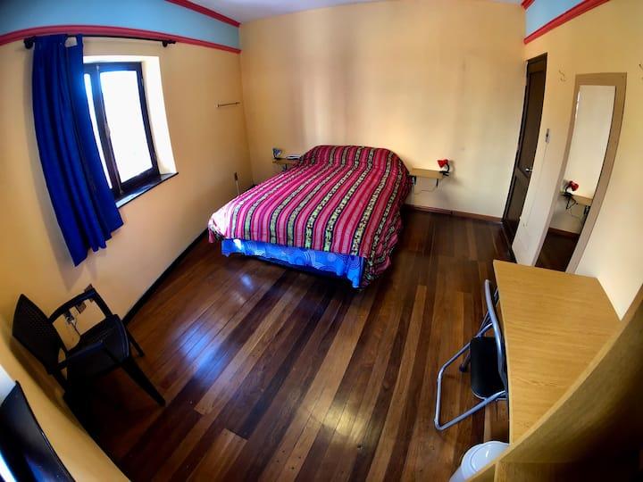 Antyka La Paz - Double room with shared bathroom