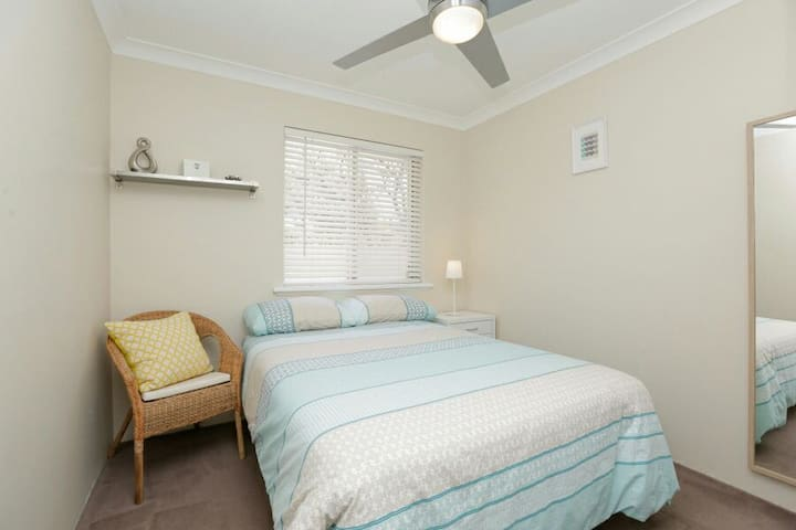 Excellent Location - Mount Lawley - Дом
