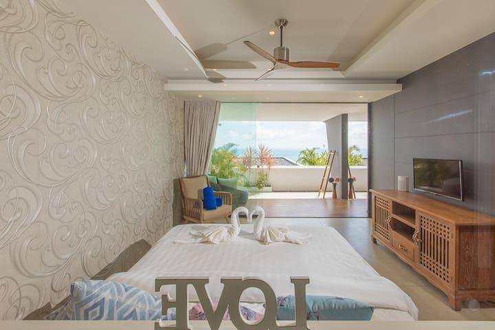 Sea facing bed