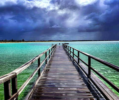 Lake Seppings Home-away