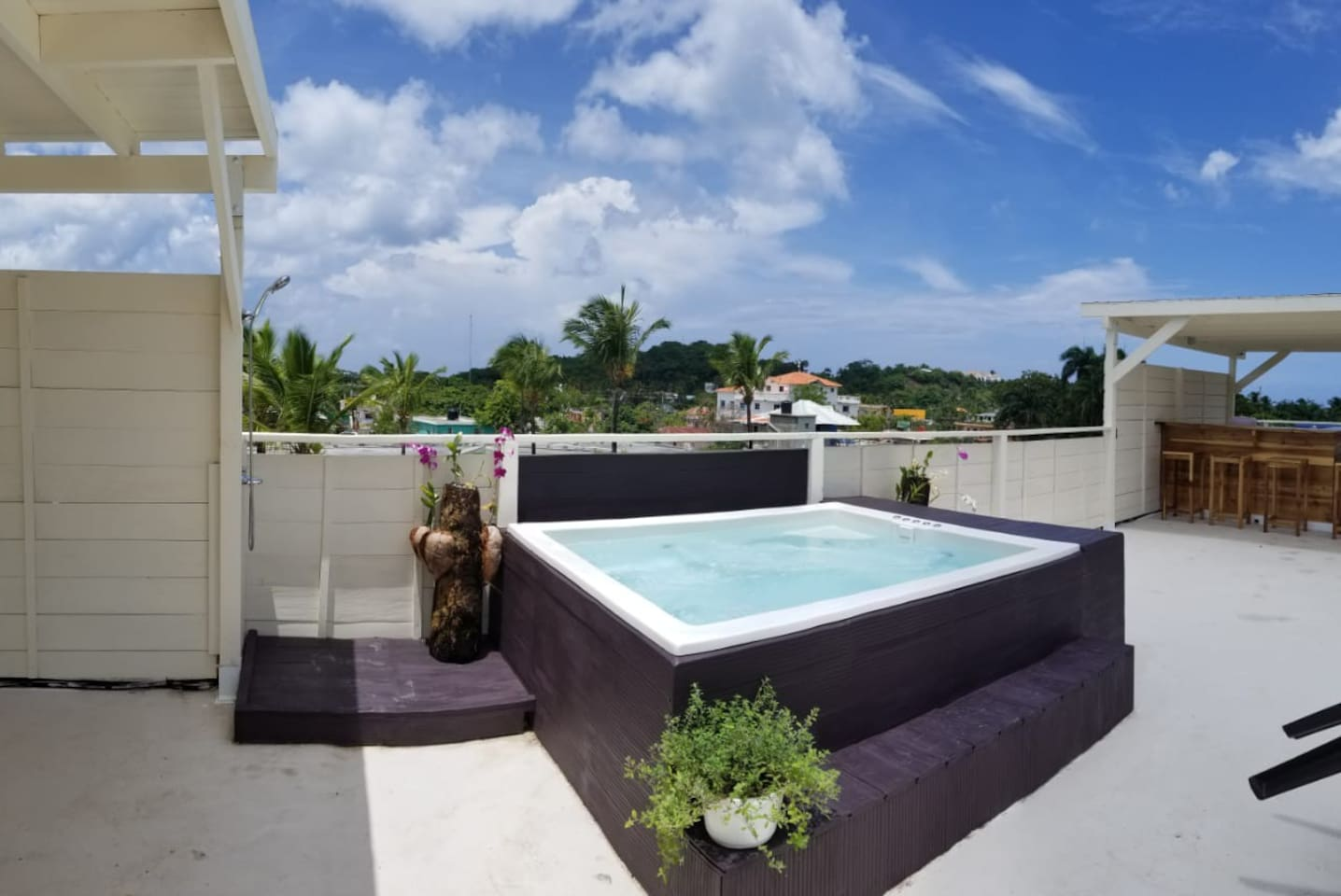 JACUZZI ON THE PANORAMIC TERRACE