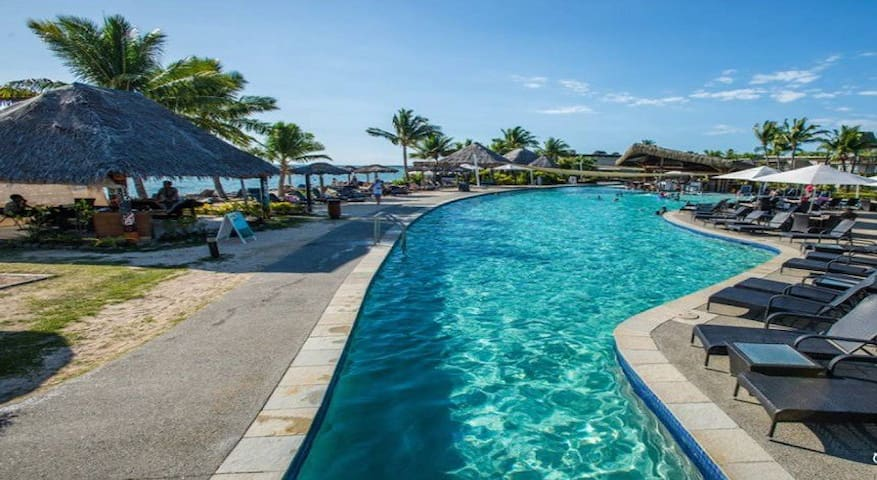 Denarau Island 1 Bedroom Suite/Oceanview Pool
