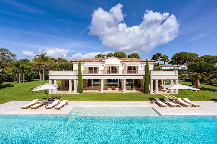 Exclusive villa for luxury holidays