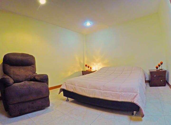 Habitación 209 en Chapinero con baño privado