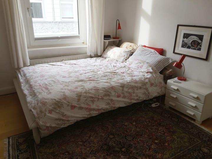 Zimmer auf dem Ölberg oberhalb des Luisenviertels
