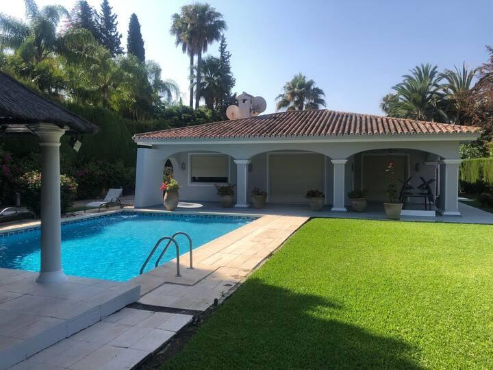 Nueva Andalucía Home