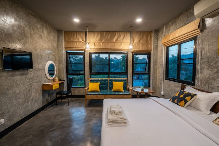 Take your time hostel At Doi Suthep Deluxe room