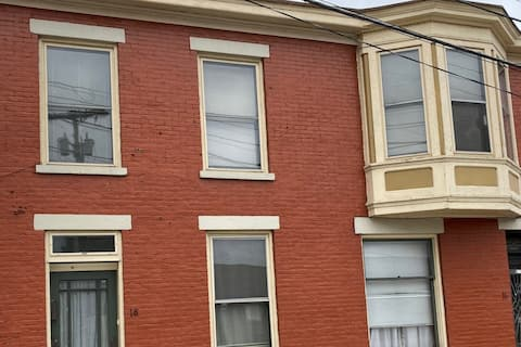 Spacious  2 bedroom in Victorian North Wheeling