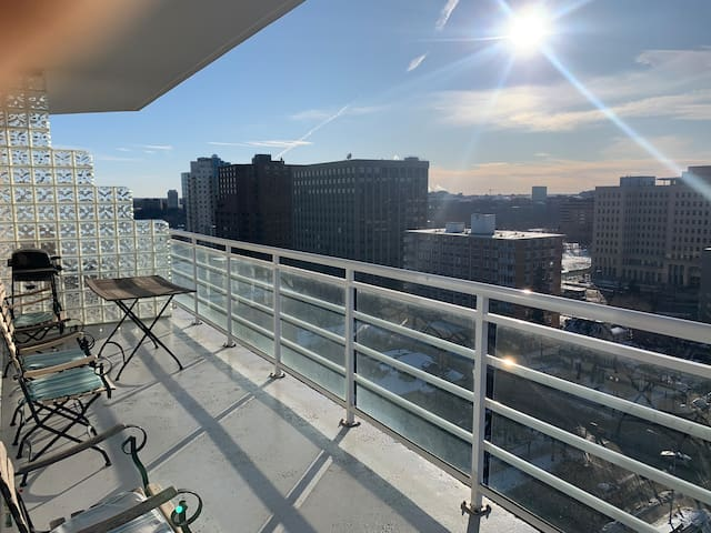 ⚡Luxury suite Downtown, Ice District, Free Parking