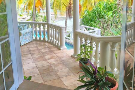 Marigot Bay Rose Cottage with Fantastic View
