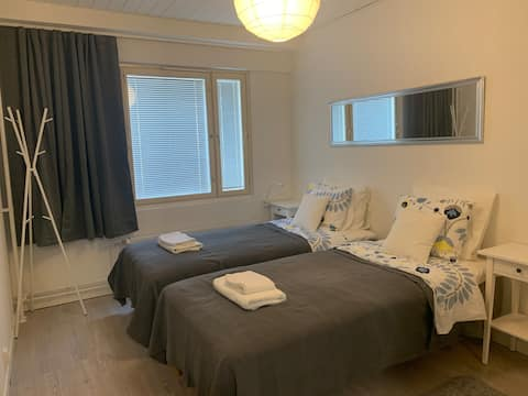 Centre 1 Bedroom flat + Free Parking