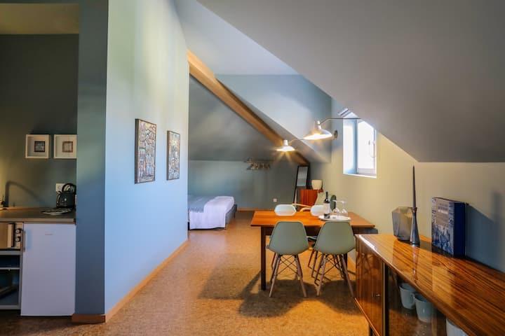 Guest house EÇA AGORA! - suite OS MAIAS - 36m²