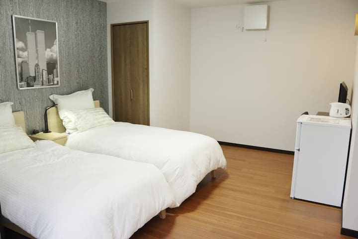 2min from Nishiakashi Station, Yu Home西明石(4F)