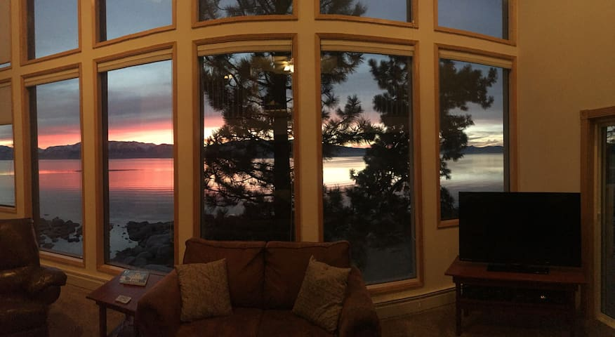 Amazing Lakefront Couples Special! - Zephyr Cove - Hus
