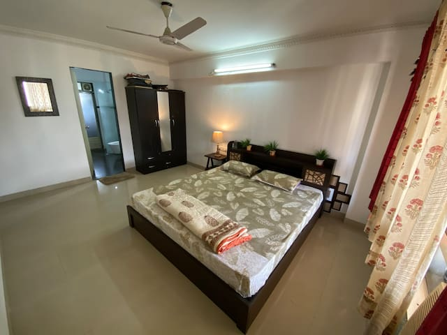 Lavish Private BR in Powai Suitable for Bachelor's