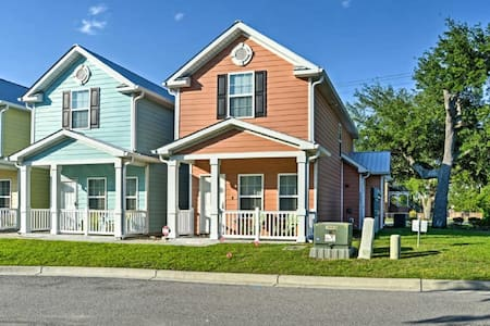 Beach House-ONLY 2 blocks from the beach and ocean