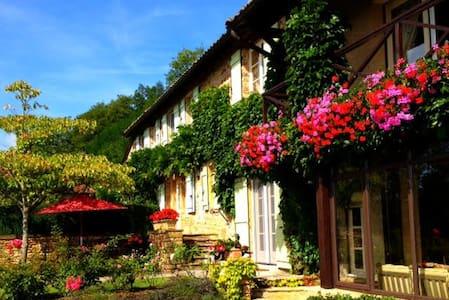 """Le Plaisir"":  Enchantment & Luxury - Cluny"