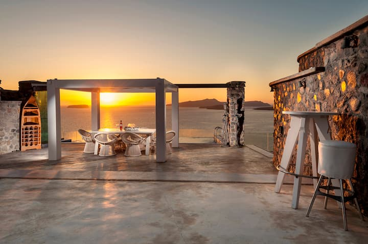 Cavo Ventus Luxury Villa with heated infinity pool