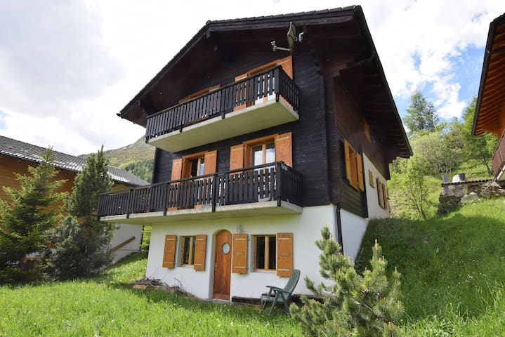 Cosy chalet for nature-lovers, at 1900m (10 pers)