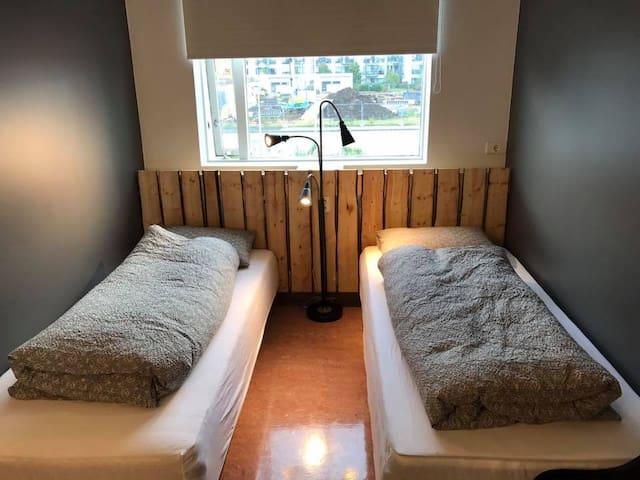 Au44 hostel- room 5