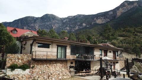 """Cabaña de Lujo """"La Cotorra"""" - a 2 hrs de Monterrey"""