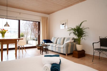 The Alps, Great Coffee and a Bright Flat for Two - Bernau am Chiemsee - อพาร์ทเมนท์