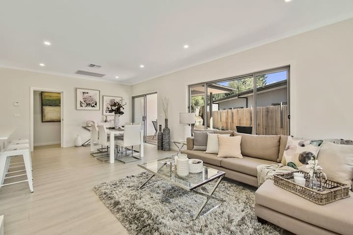 Recently built, modern three bedroom ensuite home