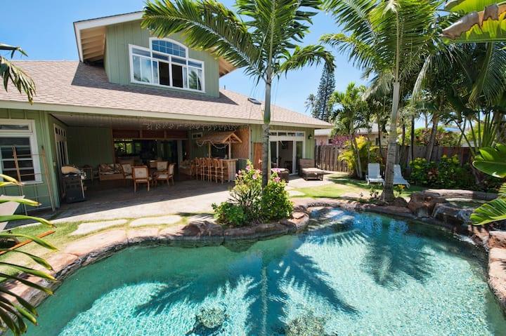 Breathtaking Upscale Kailua home w/ tropical pool