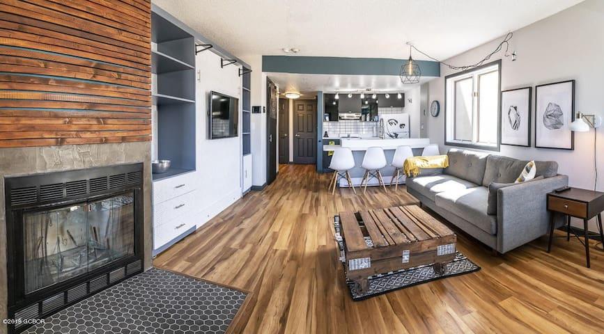 Ski In/Ski Out Studio Condominium in Granby Ranch