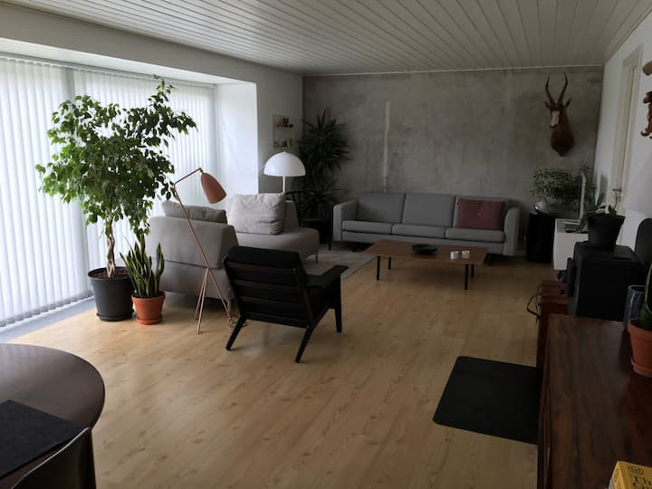 5 minutes walk from the beach. Large outdoor area