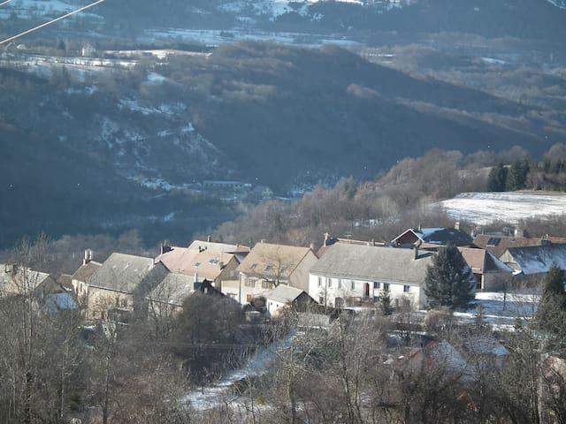 Maison individuelle dans petit village