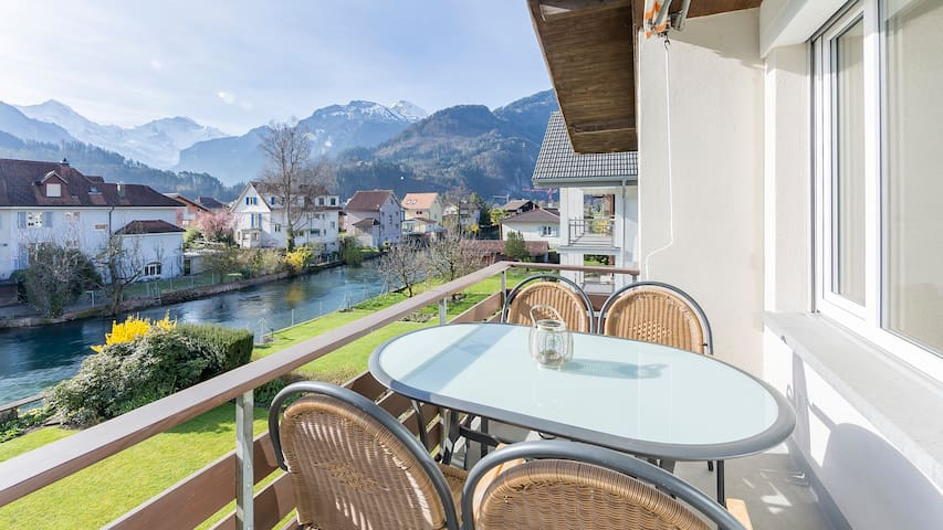 Interlaken West at the river - Unterseen - Appartement