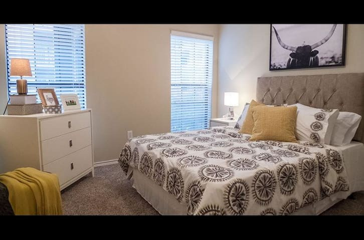 Shared room in Keller - Fort Worth - Apartamento