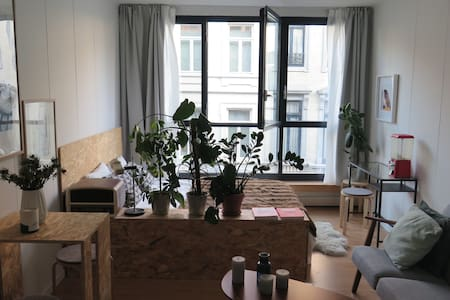 Cozy studio close to Stefanie Place - Saint-Gilles