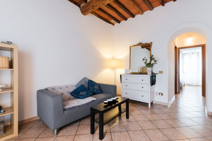 Casa Santa Trinita, charming apt close to Florence