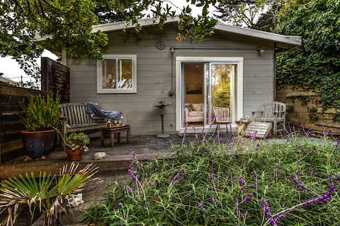 Hidden Coastal Gem with private deck & backyard