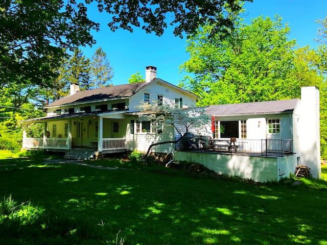 Secluded Farmhouse, Beautiful Land