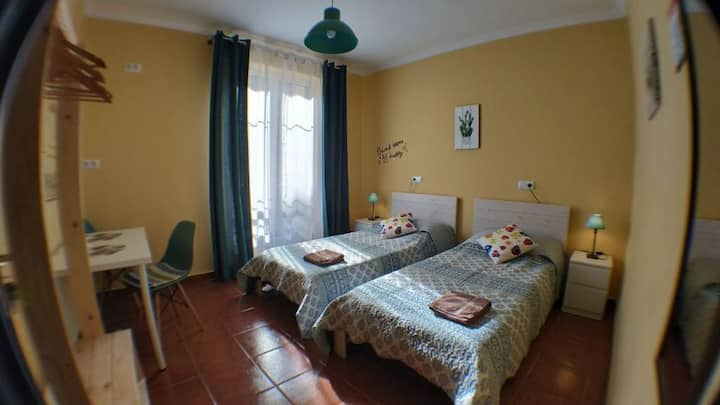 GOODHOUSE - Litera Habitacion compartida (4  camas). Baño compartido - Tarifa estandar