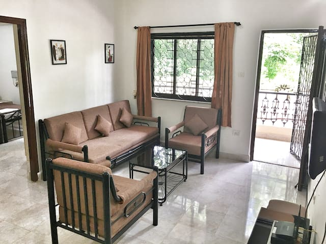 De Goa 1BHK : AC, Pool, Kitchen & Power Backup!
