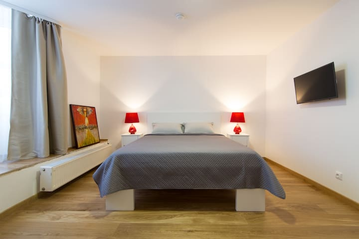 Guest house Vakaras (rent all or separate rooms)