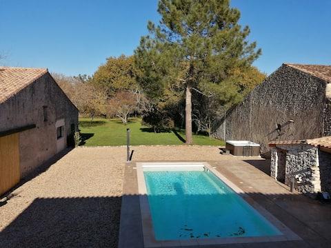 Le Gîte de l'olivier, piscine, SPA, classé 4 ****