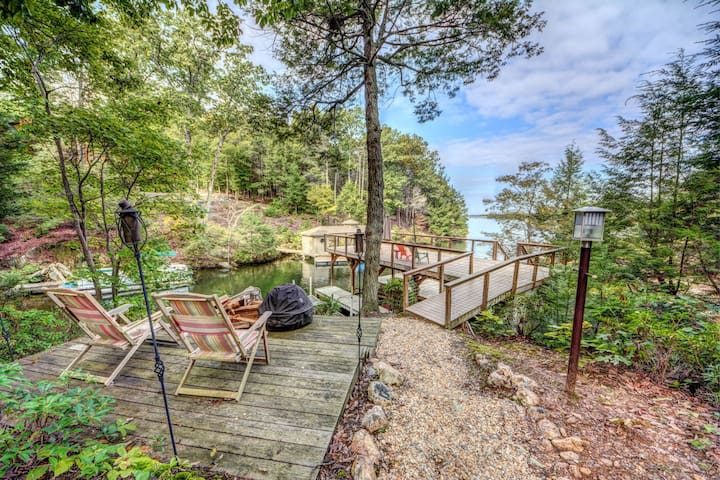 NEW LISTING! Lakefront home w/granite counters, fireplace, lake views & dock