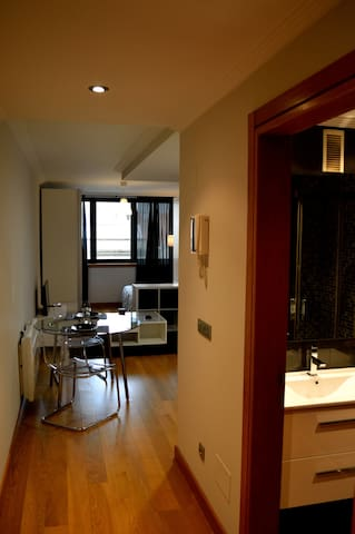 ESTUDIO CÉNTRICO Y NUEVO - Vigo - Apartment