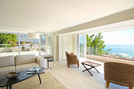 Camps Bay Apartment - Breathtaking Views