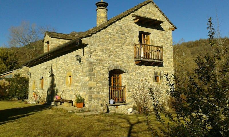 Casa típica del Pirineo - Fiscal - Huis