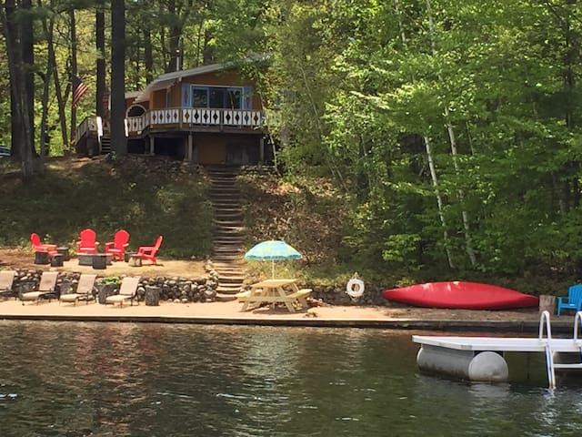 Lakefront Chalet in White Mountains - Conway