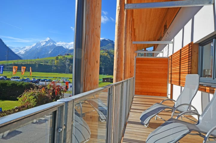 Residence Alpin, Apartment 5 - luxurious apartment with a wraparound balcony, perfect location