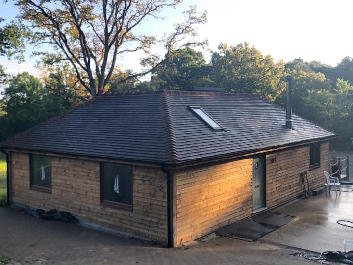 Garden Cottage, indoor  pool tennis court Farnham